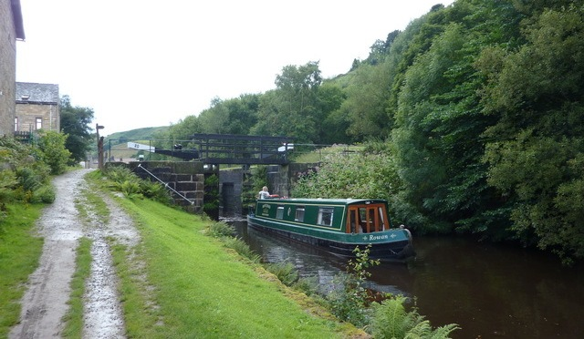 26 May: Canal towpath walk from Todmorden to Littleborough