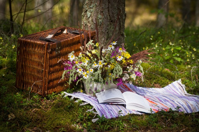wood picnic basket